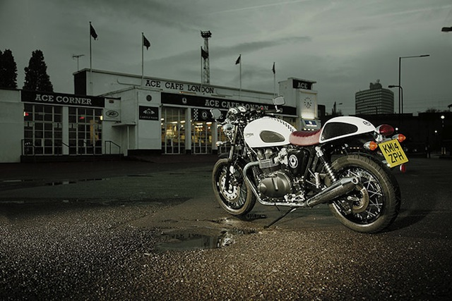 Triumph Thruxton Ace Editie Speciala front dealer img
