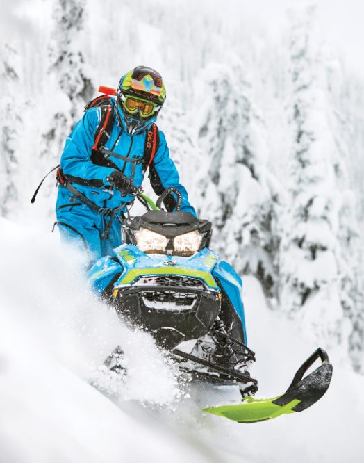 Ski-Doo Summit in actiune