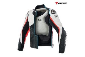 Dainese aduce in magazine jacheta cu air-bag independent